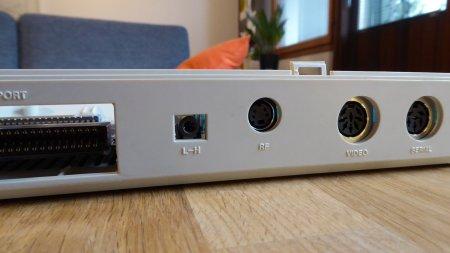 C64R AV ports